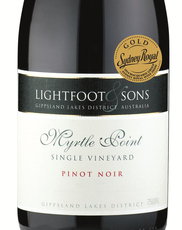 2012 Pinot Noir GOLD close up